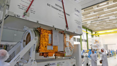 Sentinel-2B being loaded at Airbus Defence and Space's satellite integration centre in Friedrichshafen (Germany). Copyright Airbus DS GmbH / A. Ruttloff – 2016